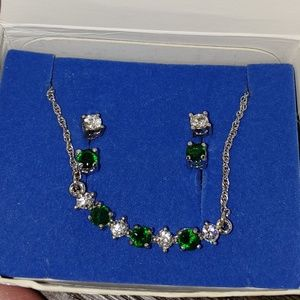 Avon earring and necklace set